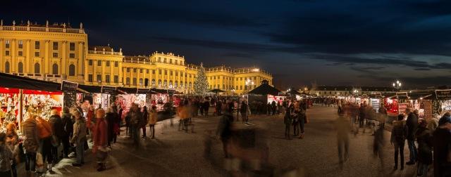 40861 Kultur- und Weihnachtsmarkt vor dem Schloß Schönbrunn © WienTourismusChristian Stemper