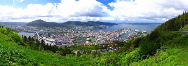 Bergen_panoramic_photograph_taken_from_Fløyen_mountain